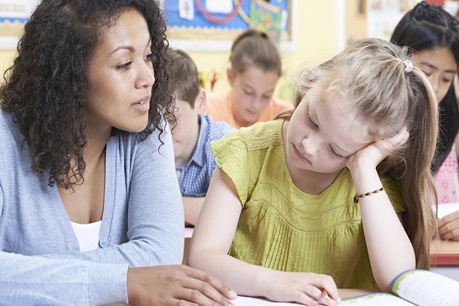 Giúp trẻ biết cách ứng phó khi cảm nhận cơn động kinh có thể sắp xảy ra