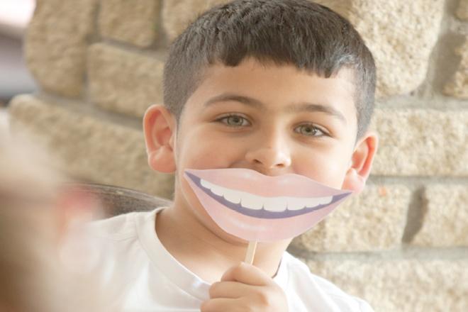 Trẻ kém tự tin trong giao tiếp khi có hàm răng không khỏe đẹp