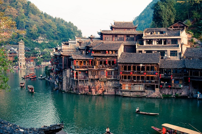 ancienttownfenghuangchina