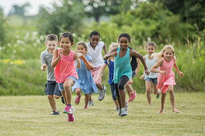 Khuyến khích trẻ vận động để tránh béo phì