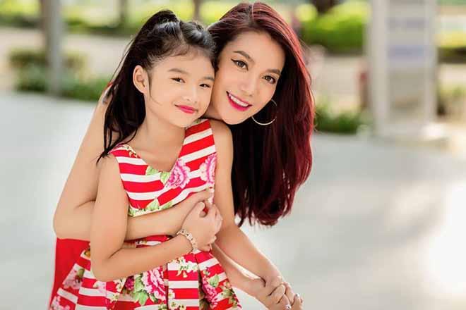 Trương Ngọc Ánh và con gái Bảo Tiên