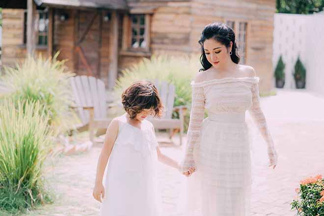 Thúy Nga và con gái