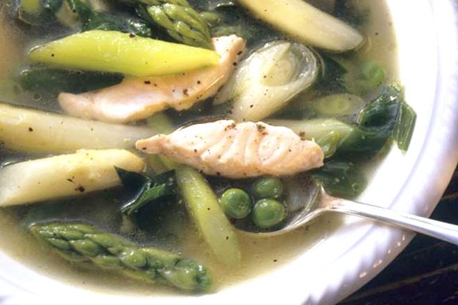 Canh măng tây cá hồi