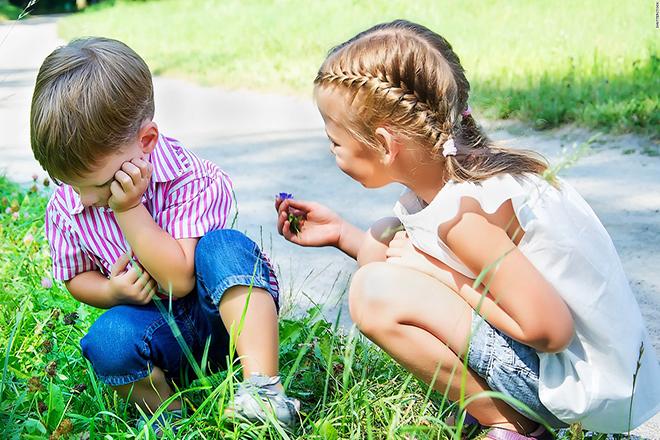 Khuyến khích trẻ có hành động bù đắp đi kèm lời xin lỗi