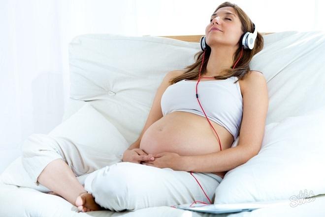 mẹ bầu nghe nhạc thư giãn