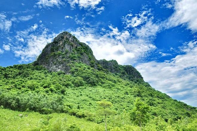 Núi Thần Dinh