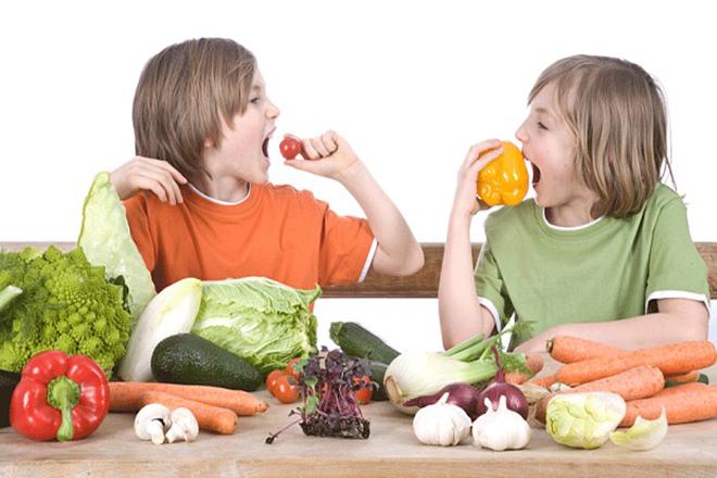 Khuyến khích trẻ ăn rau củ