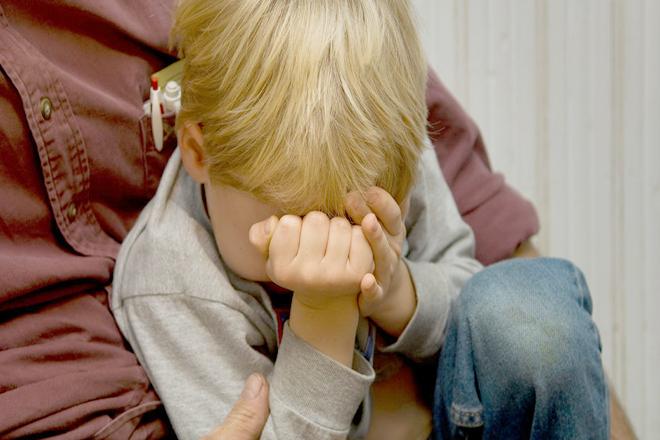 Trẻ sợ phải ở một mình
