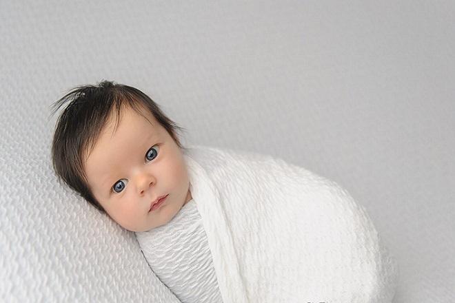 Bé dưới 1 tháng tuổi