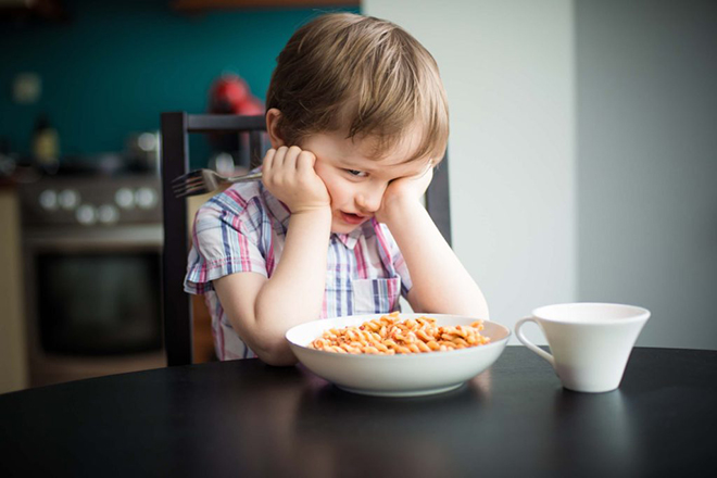 Đĩa ăn của trẻ quá nhiều