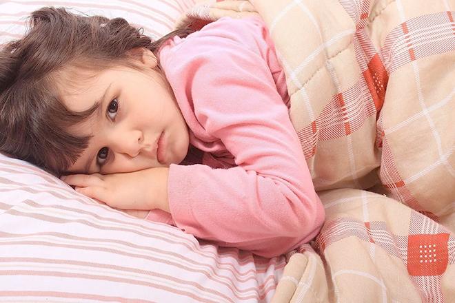 Trẻ mất ngủ vì lở miệng