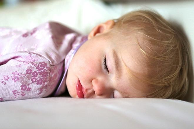 Lợi ích khi ngủ nằm sấp