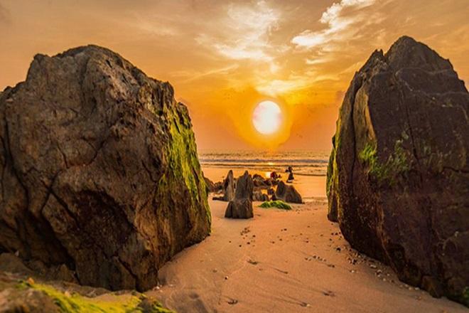 Biển Hoành Sơn