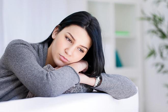 Phụ nữ lo lắng