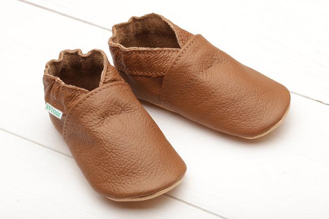 Giày mũi tròn cho bé trai