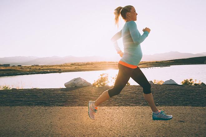 Bà bầu chạy bộ
