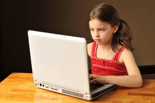 18109-internet-kid-saidaonline.jpg