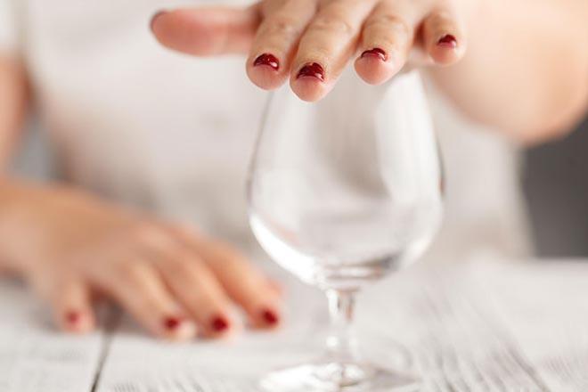 Không uống rượu khi mang thai
