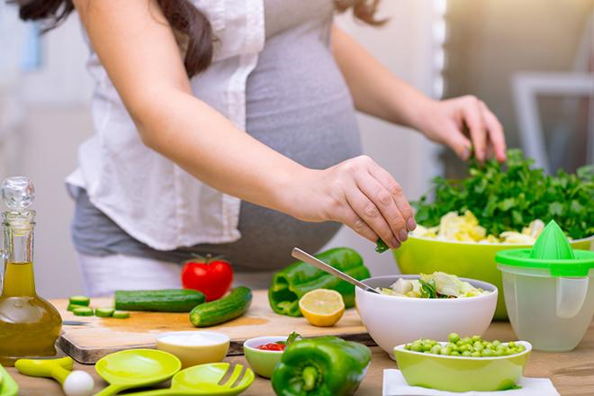 Phụ nữ mang thai cần nhiều folate