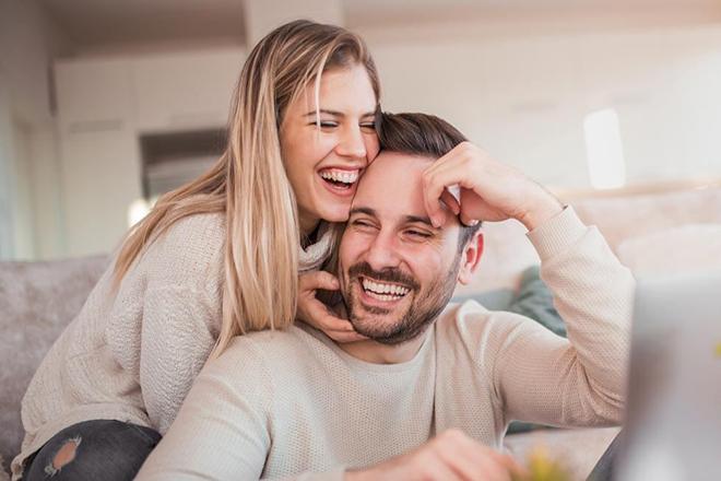 Vợ chồn vui vẻ