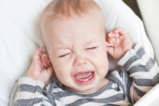 Trẻ giật mình do gặp ác mộng