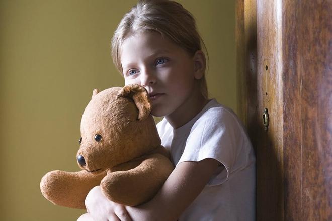 Trẻ bị thiếu thốn tình cảm