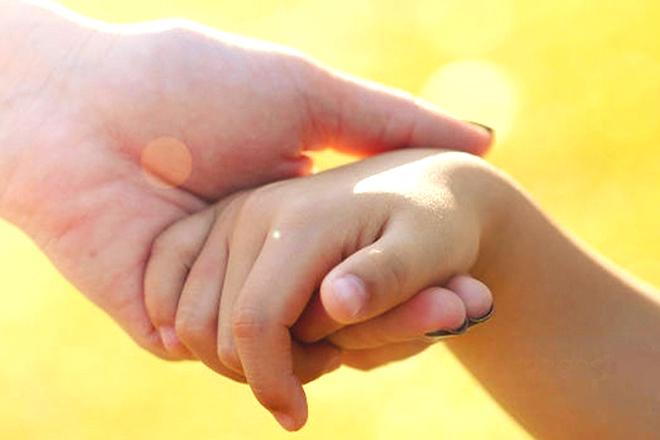 Hướng dẫn trẻ để con biết làm gì khi bị lạc bố mẹ