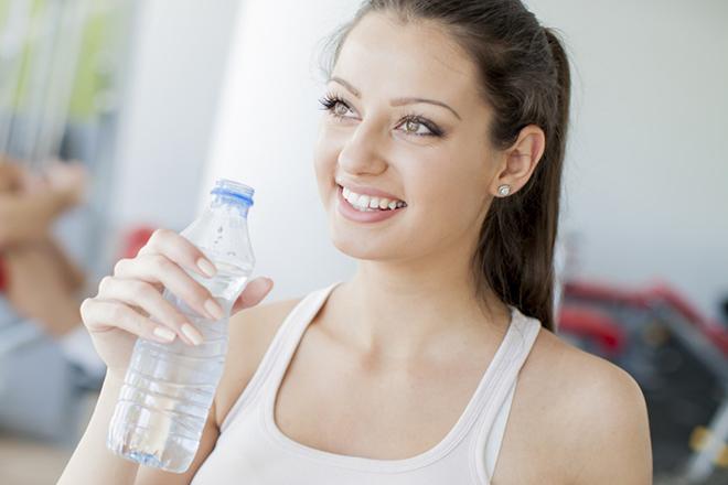 Bà bầu uống đủ nước