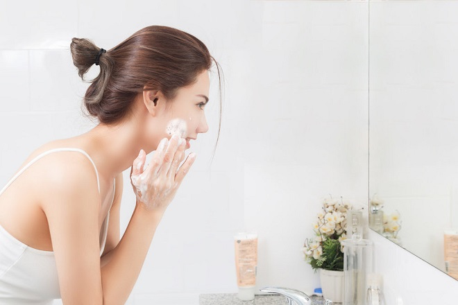 rửa mặt bằng acness trị mụn