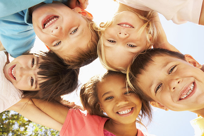 Trẻ vui tươi