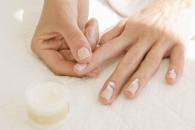 massage móng tay