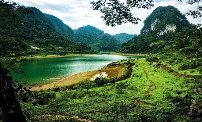 Hồ Thang Hen chính là Tuyệt tình cốc ở Cao Bằng