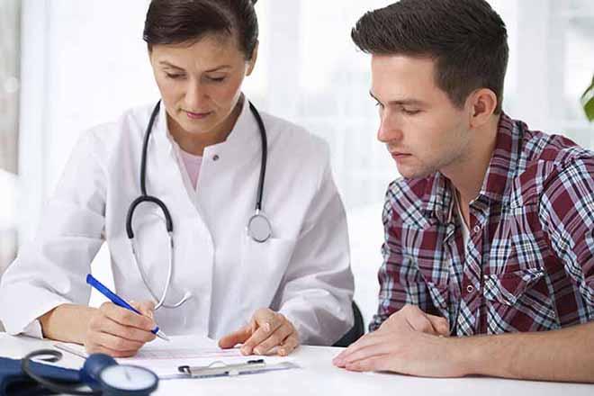 Đàn ông và bác sỹ