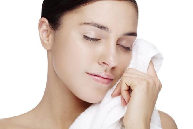 Bảo vệ và chăm sóc da đúng cách giúp da nhanh chóng phục hồi sau lăn kim