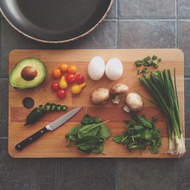 Một khẩu phần ăn hợp lý sẽ giúp bạn mau chóng đánh bay mỡ bụng