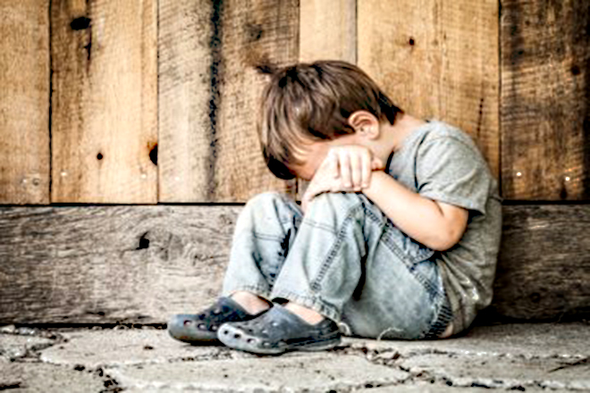 Trẻ khóc vì căng thẳng