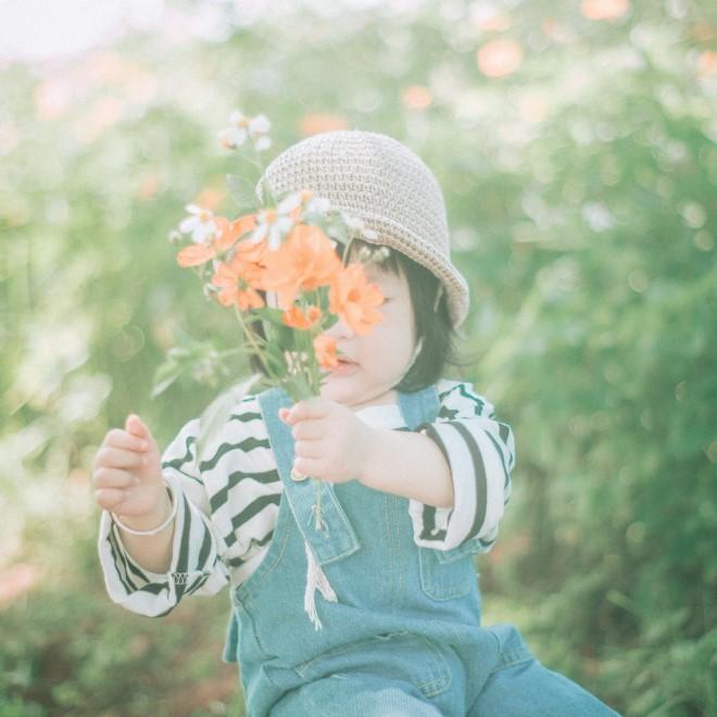 Tên của con cũng là tên của những loài hoa xinh đẹp ngát hương