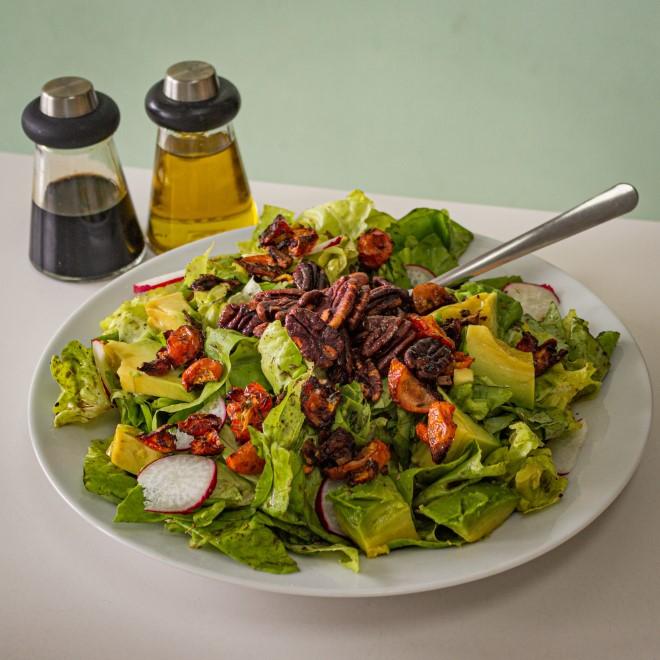 Salad dầu giấm là món ăn ngon nổi tiếng và bổ dưỡng với gia vị chính là giấm