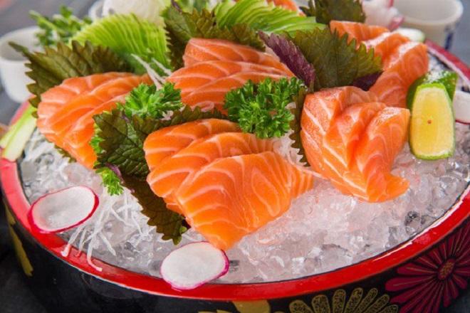 Bà bầu không nên ăn thịt cá sống