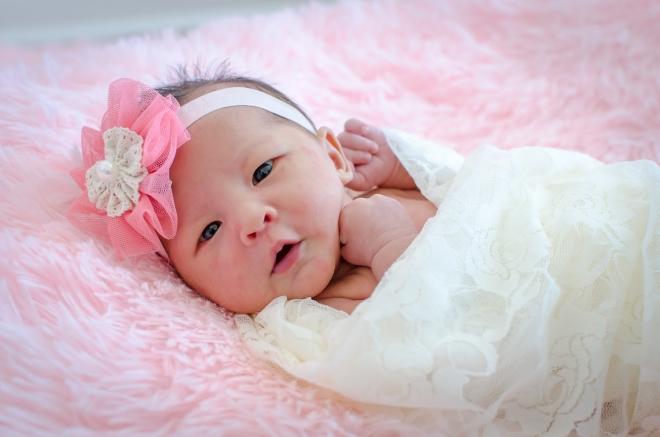 Bé 1 tháng tuổi