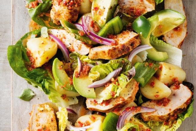 Bữa trưa lành mạnh cùng salad ức gà siêu đơn giản