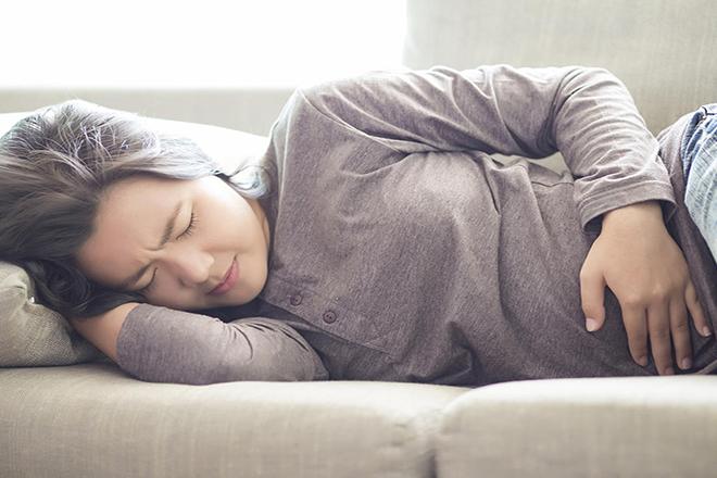 Phụ nữ sau sinh bị đau bụng dưới