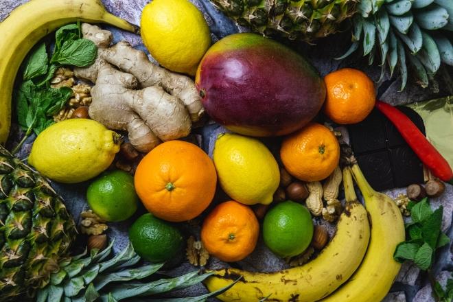 Các loại trái cây là nguồn cung cấp vitamin và chất xơ lý tưởng cho trẻ vào mùa lạnh