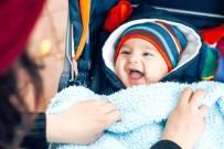 Cách chăm sóc trẻ sơ sinh mùa lạnh và 12 điều hữu ích nhất định mẹ nên biết