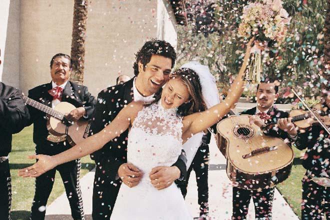 Âm nhạc làm ngày cưới thêm tươi vui