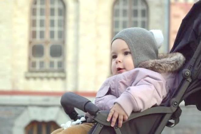 Chăm sóc bé sơ sinh mùa lạnh