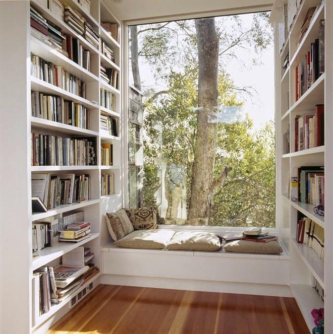 Khu vực đọc sách bên cửa sổ