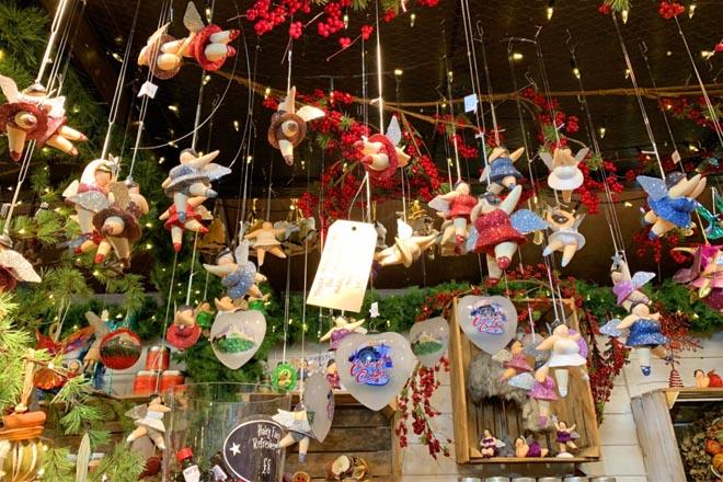 Cửa hàng mùa Noel