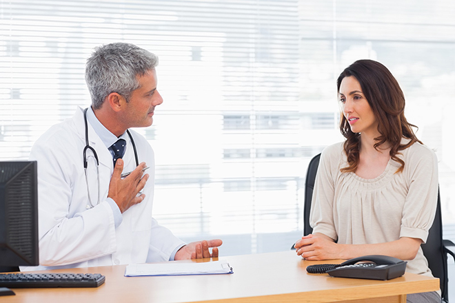 Bà bầu gặp bác sỹ
