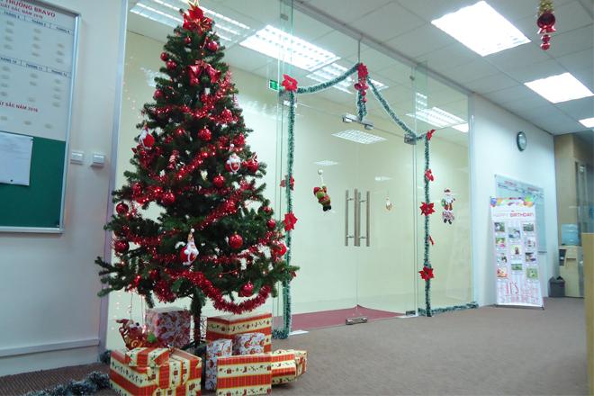 Cây thông Noel văn phòng